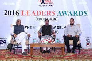 24MRC Network Felicitated the Winners of 2016 Leaders Awards (Education)