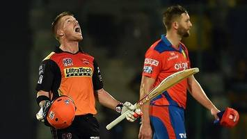 warner leads hyderabad to ipl final