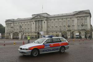 man who scaled buckingham palace walls was convicted murderer