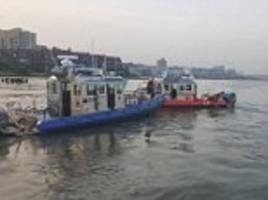 small plane crashes in hudson river near intrepid in manhattan
