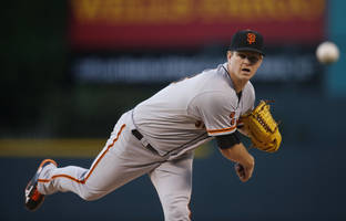 matt cain leaves giants game with injury