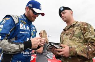 nascar community offers memorial day tributes to troops