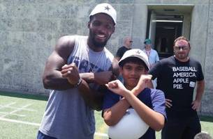 spelling bee champion visits cowboys practice, hangs out with dez bryant