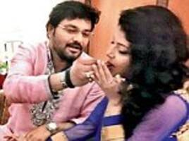 union minister babul supriyo set to wed jet airways air hostess rachna sharma after wooing her at 35,000ft