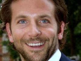 bradley cooper to produce star-studded stand up to cancer telethon