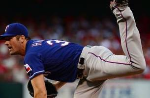 cole hamels leads rangers to 4th straight win