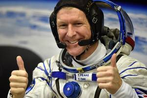 Back to Earth: Peake returns from International Space Station