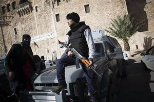 Libya: Clashes between pro-govt fighters and Islamic State kill 37