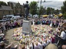 Hundreds lay a carpet of flowers where MP Jo Cox was killed to mark a week since murder