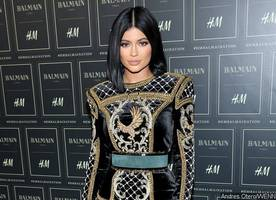 Kylie Jenner Shows Her Wet Pants. Is She Peeing Them?