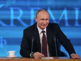 putin is 'essentially trolling the us' by complimenting trump — and the brexit vote explains why