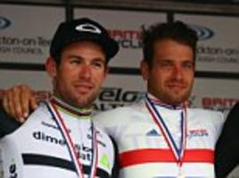 adam blythe gets the better of mark cavendish to take british road race title