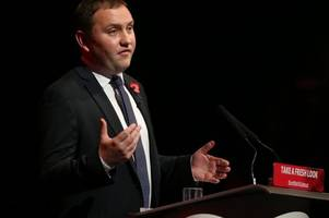 Shadow Scottish secretary Ian Murray to resign from Corbyn's cabinet as Labour face civil war