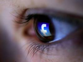 Facebook users can now write posts in multiple languages thanks to a powerful new AI tool