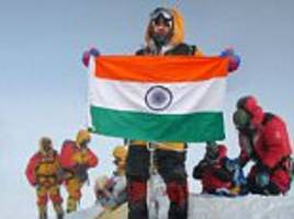 indian couple face being banned from climbing after claims they faked mount everestphotos