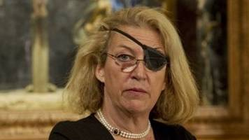 marie colvin's family sues syria over death in homs