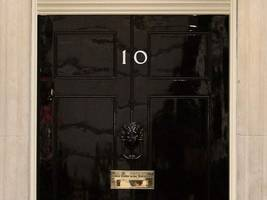 who's the blonde bombshell returning to downing street?