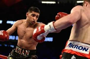 boxer amir khan says he'd be willing to fight conor mcgregor