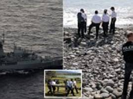 hunt for missing malaysian airlines flights mh370 will be 'suspended' if the plane is not found in current search area