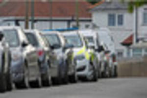 Arrest made after knife found on pavement in Torquay