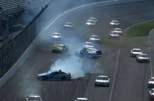 cup: big crash on late restart brings out red flag - indianapolis 2016