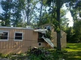 Long Island Pilot Seriously Hurt in Plane Crash Into Connecticut House