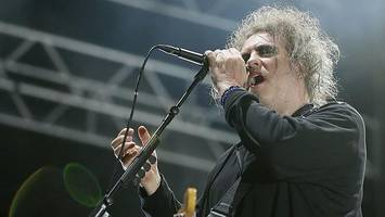 the cure play unforgettable pop hits