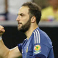 Higuain completes Juventus move