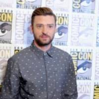 Justin Timberlake Taken Aback After Fan Gets Too Close At Golf Tournament