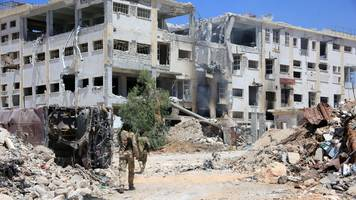 syria conflict: aleppo 'corridors' must be protected - red cross
