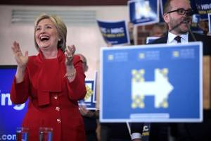 Accepting White House nomination, Clinton offers 'clear-eyed' vision