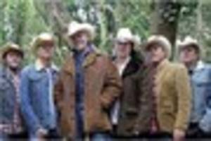 paul young and los pacaminos play sturminster exchange