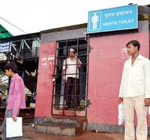 six of family fall sick, food poisoning suspected in thane