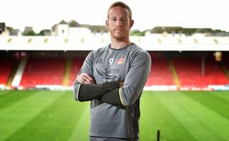 aberdeen hitman adam rooney aims to hit the hundred at pittodrie