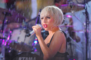 lady gaga officially teams up with bradley cooper in 'a star is born' remake