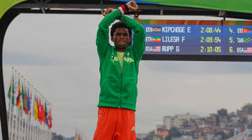 Silver medalist Feyisa Lilesa: 'If I go back to Ethiopia, the government will kill me'