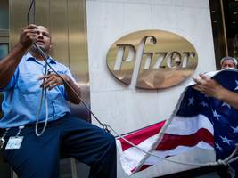 here's why pfizer spent $14 billion on a company with just one approved drug (mdvn, pfe)