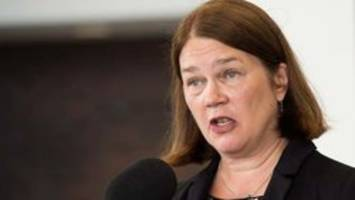 philpott billed taxpayers $520 for air canada lounge access, document shows
