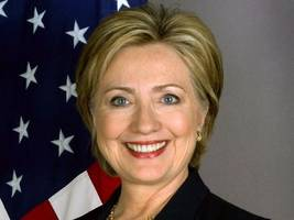 Hillary Clinton Opens New Campaign Office in Reston