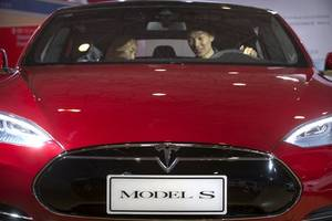 tesla claims to have the world's fastest accelerating car in production