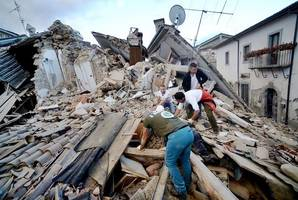 6.2 magnitude earthquake hits central Italy, 16 people dead