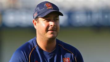 Jesse Ryder: Essex all-rounder returns to New Zealand early