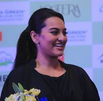 believe it or not, sonakshi sinha has been a victim of ragging!