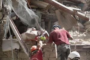 Italy earthquake kills at least 120, reduces towns to rubble