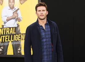 Scott Eastwood Makes Emotional Phone Call to Father of His Ex Who Died in Car Crash