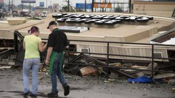 starbucks cafe destroyed as tornadoes strike indiana