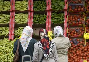 palestinian woman fired in germany for refusing to remove her headscarf