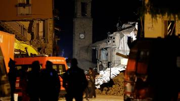 Italy quake: Emergency declared as hopes for more survivors fade