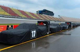 Weather delays start of Truck Series race at Michigan