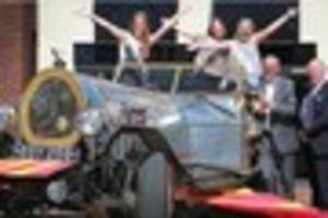 ringwood carnival queen turns heads in chitty chitty bang bang...
